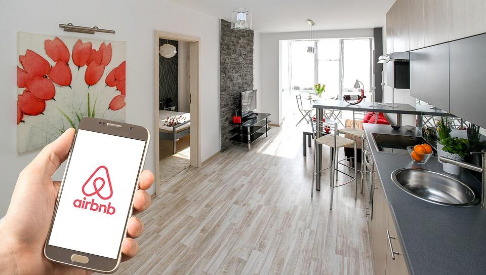 Airbnb Apartment Logo